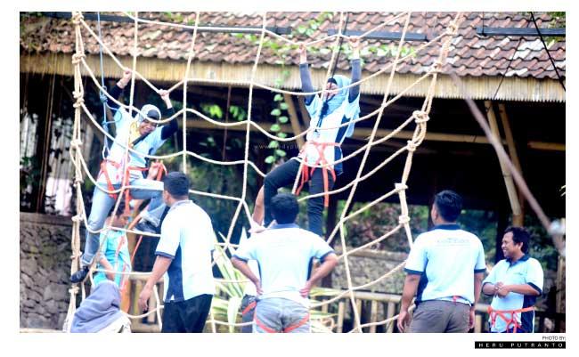 Outbond Taman Botani Sukorambi Jember