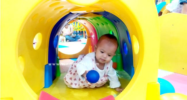 nuby-bottle-360-perkembangan-bayi-9-bulan-bisa-apa